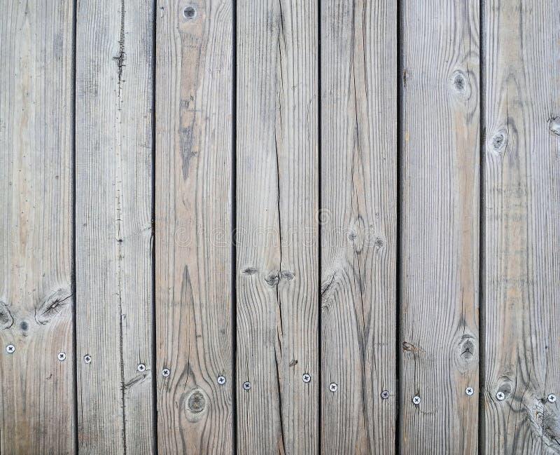 Di legno non lucidato dei bordi con le viti immagini stock