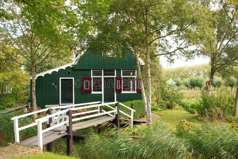 di legno tradizionale della casa olandese fotografia stock libera da diritti