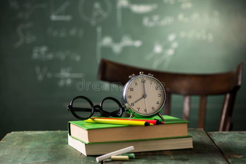 8 di mattina di nuovo al concetto della scuola fotografia stock