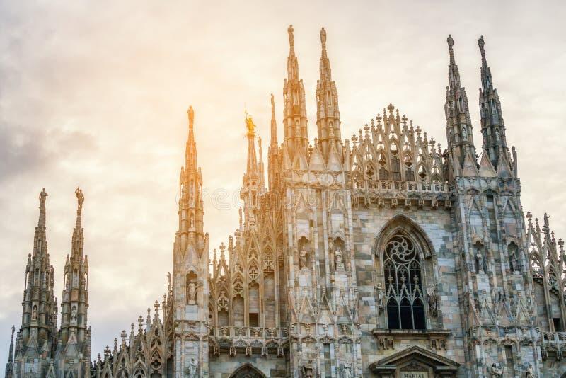 Di Milão do domo (Milan Cathedral) em Milão, Itália fotos de stock