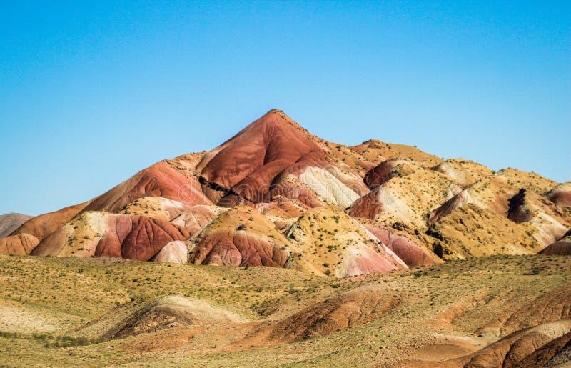 di montagne colorate Multi nelle vicinanze di Tabriz immagine stock
