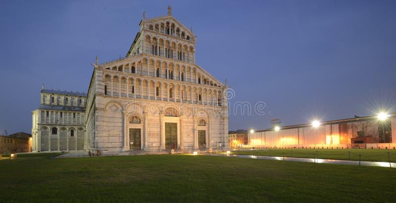 Di Pisa van Duomo stock afbeeldingen