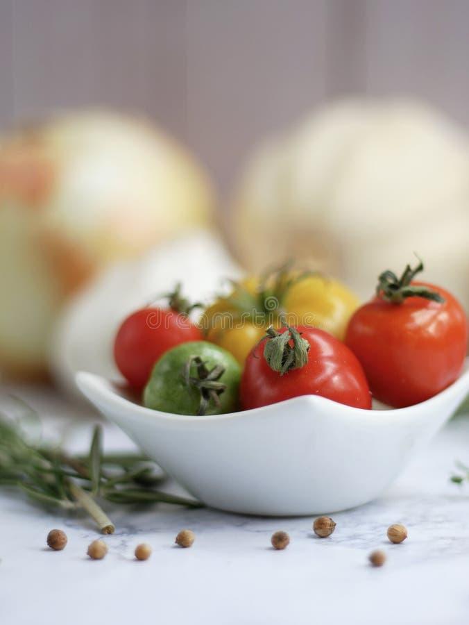 Di pomodori colorati multi freschi fotografie stock