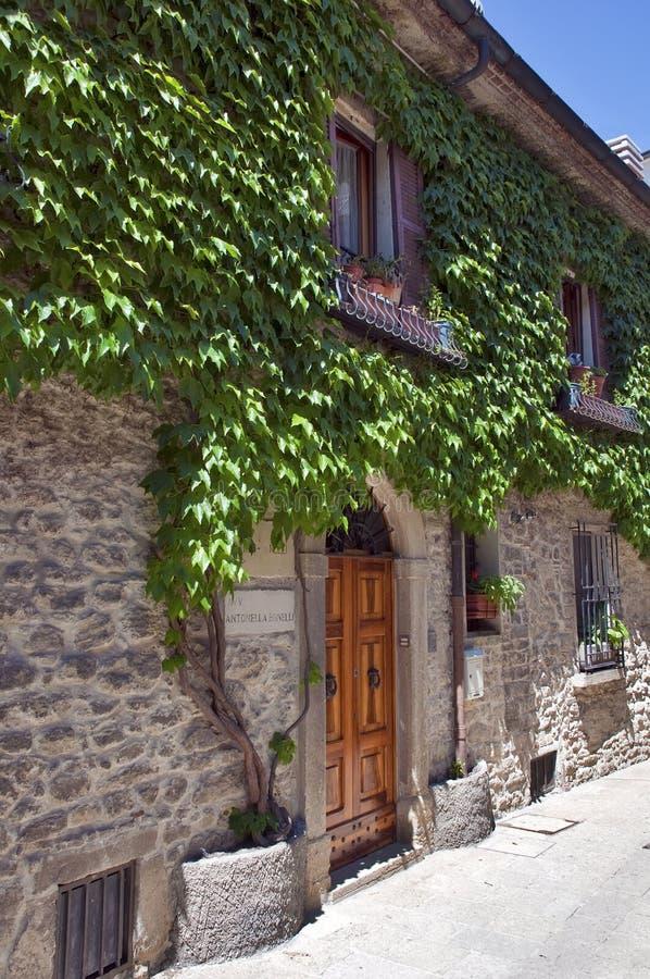 Di San Marino - passaggi di Repubblica sulla vecchia città fotografie stock libere da diritti