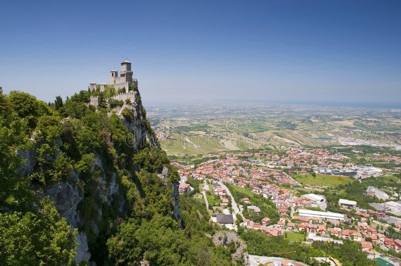 Di San Marino - primera torre Guaita Hori de Repubblica fotos de archivo