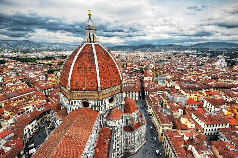 Di Santa Maria del Fiore da basílica, domo, em Florença fotos de stock royalty free