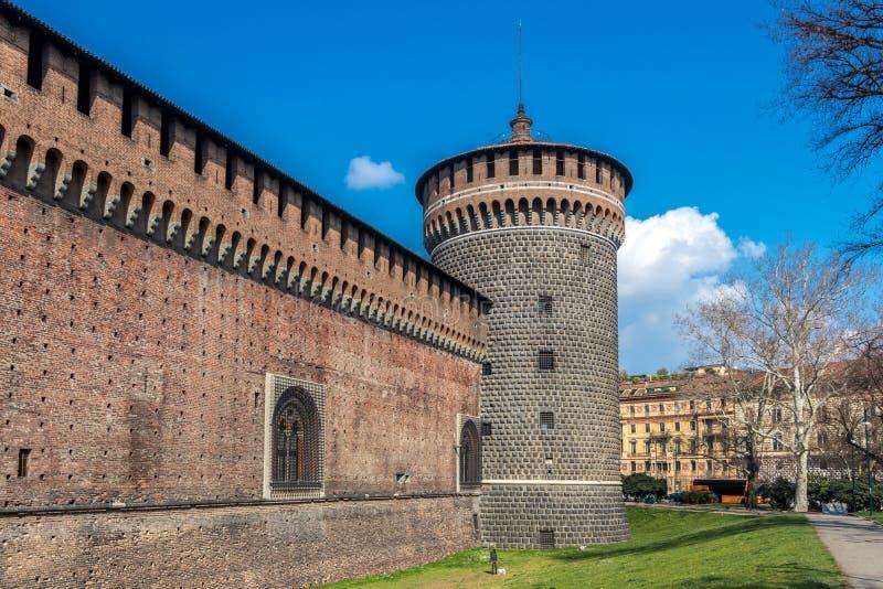 Di Santa Spirito, château de Torre de Sforza à Milan, Italie image stock