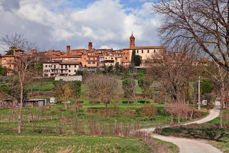 Di Siena, Toscana, Italia di Torrita: paesaggio della citt? antica della collina immagini stock