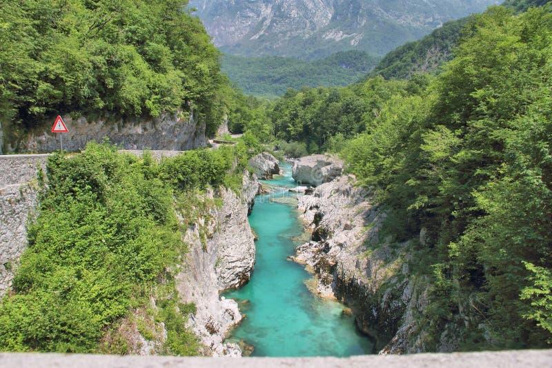  a di SoÄ del fiume alla gola di Tolmino, Slovenia immagine stock