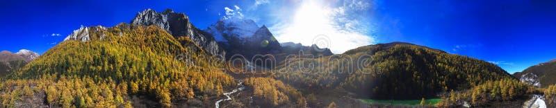` Di Xiannairi del ` della montagna della neve fotografia stock