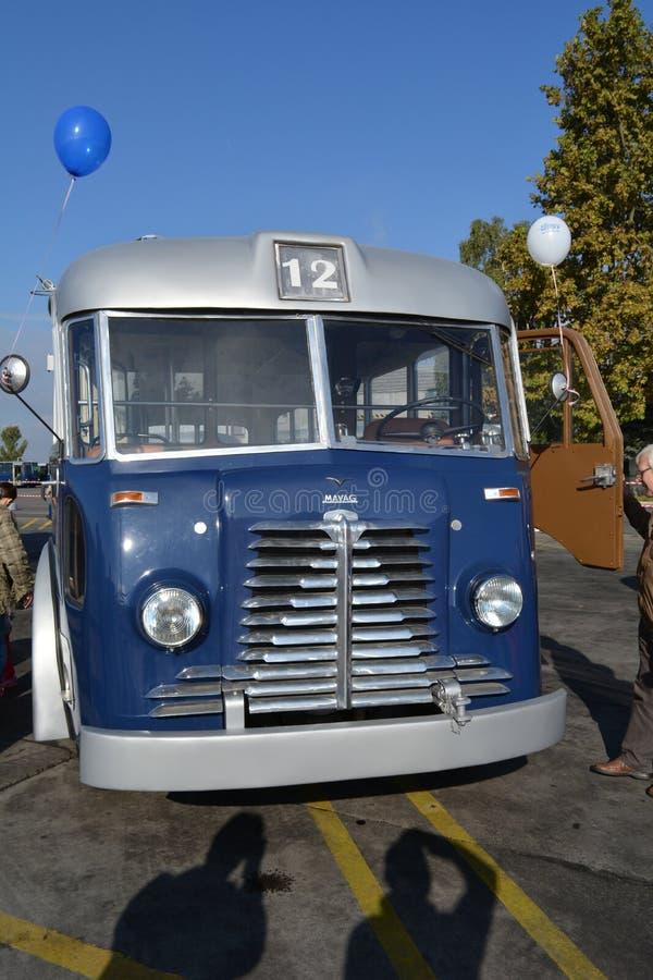 Dia aberto do público na garagem de 40 anos Cinkota II do ônibus imagem de stock royalty free