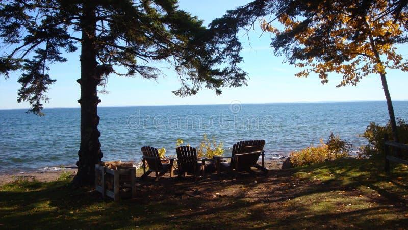 Dia claro o Lago Superior minnesota da queda foto de stock