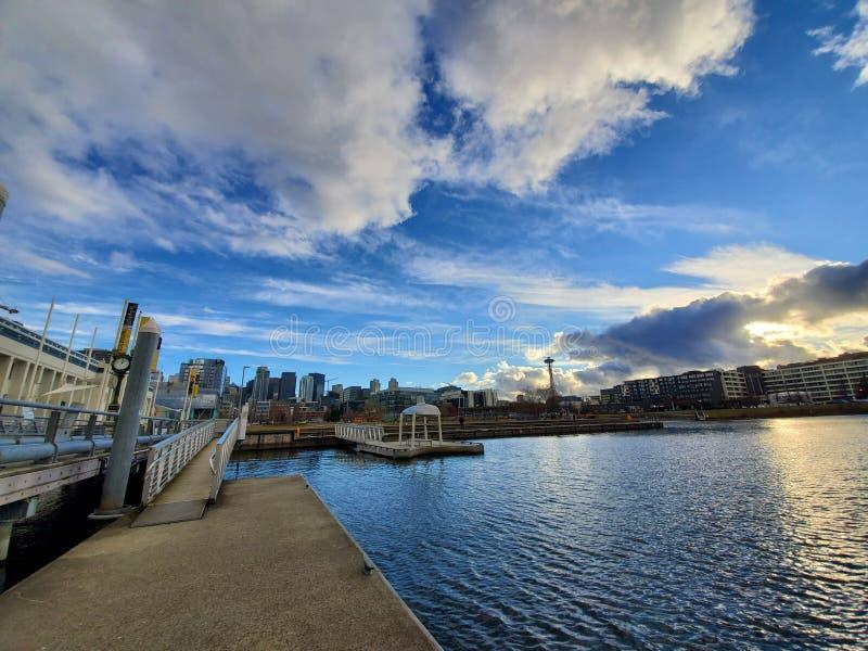 Dia da skyline de Seattle imagens de stock royalty free