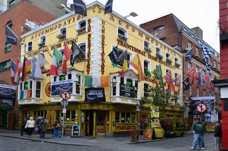 Dia de Arthurs no pub famoso da cidade de Dublin fotografia de stock royalty free