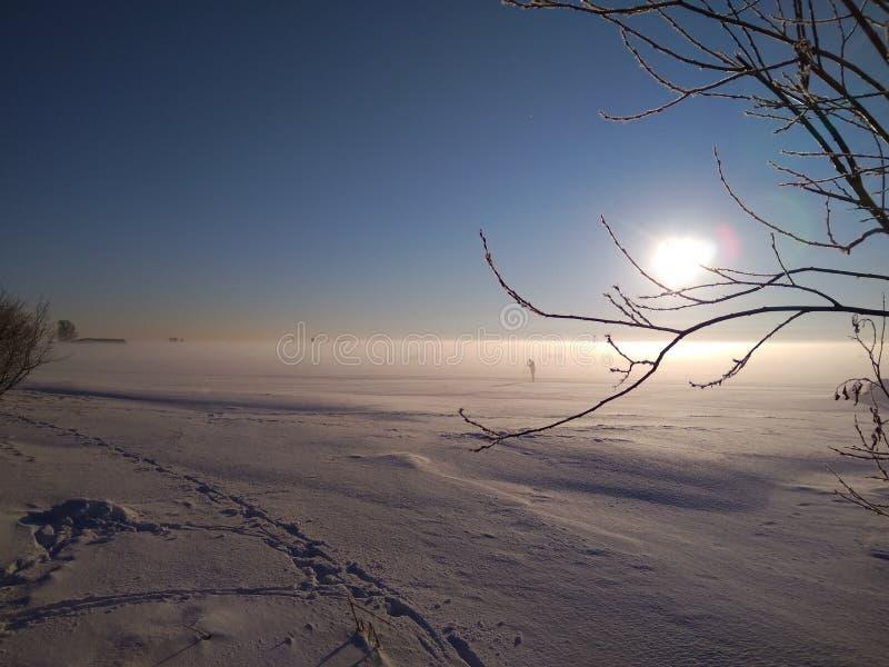 Dia de inverno ensolarado na baía fotografia de stock royalty free