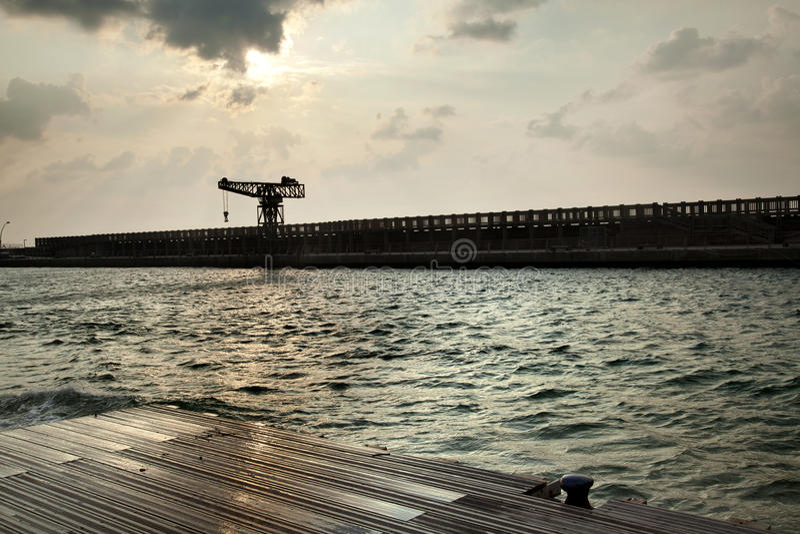 Download Porto Inclemente Do Vintage Foto de Stock - Imagem de gancho, porto: 29825434