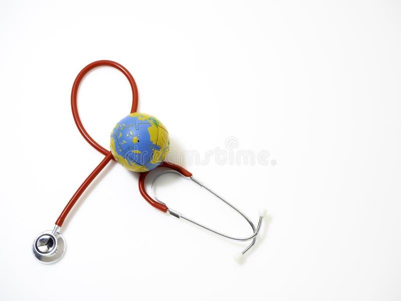 Dia de saúde de mundo do conceito, estetoscópio vermelho foto de stock