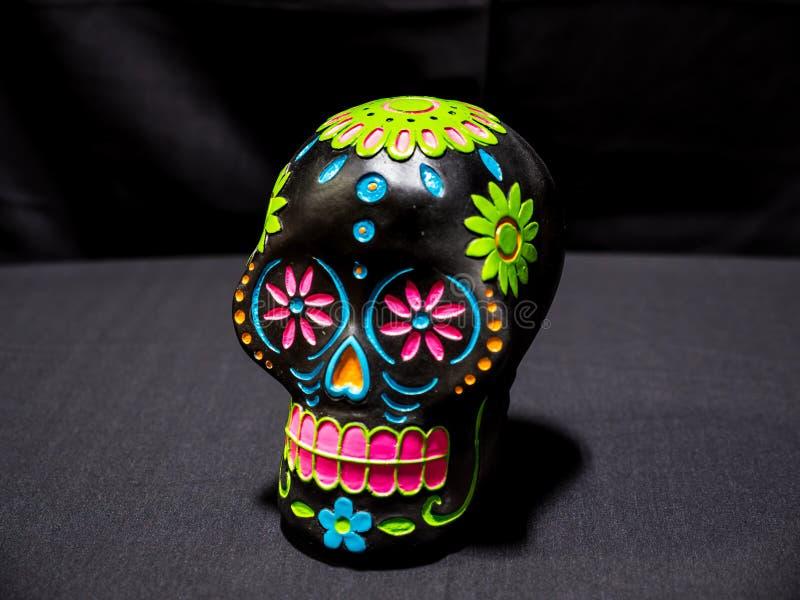 Dia de Sugar Skull inoperante no preto imagem de stock royalty free