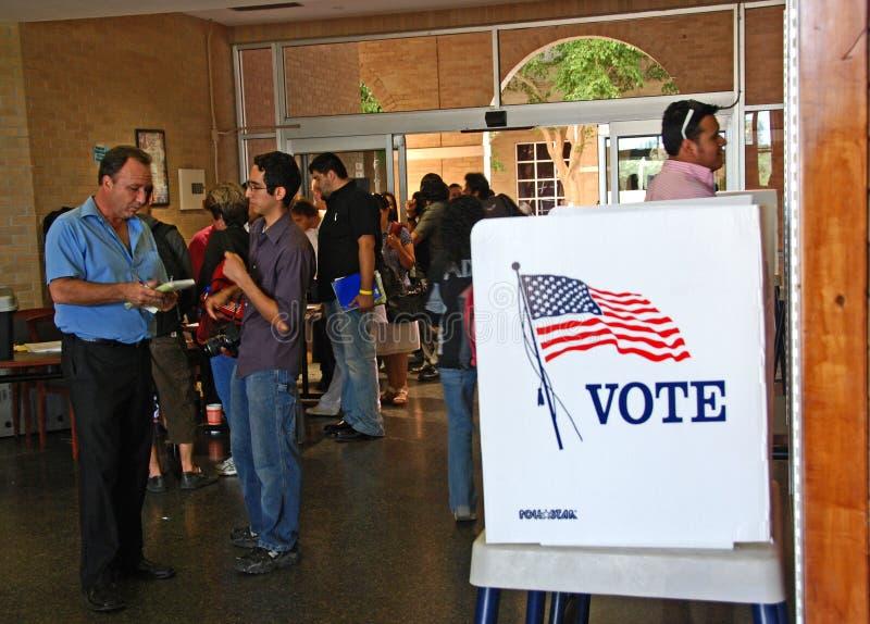 Dia de votação presidencial de 2008 E.U. na cidade fronteiriça imagem de stock
