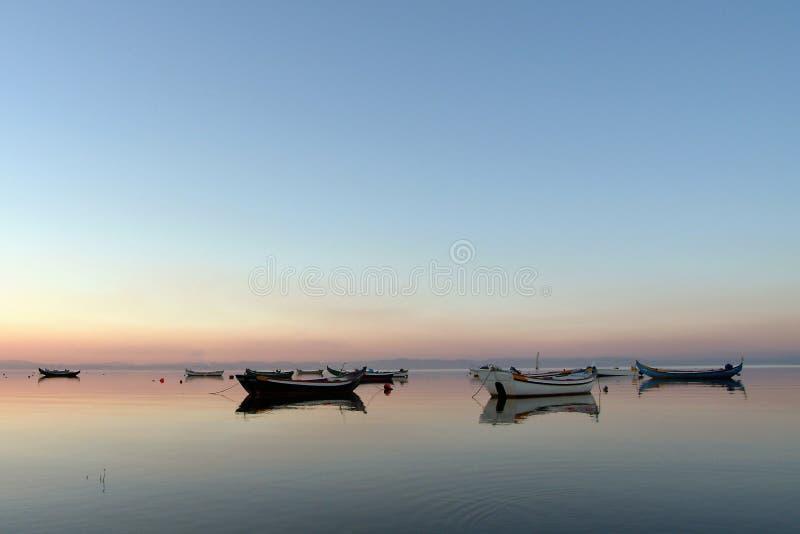 Dia do Calmness, barcos imagem de stock