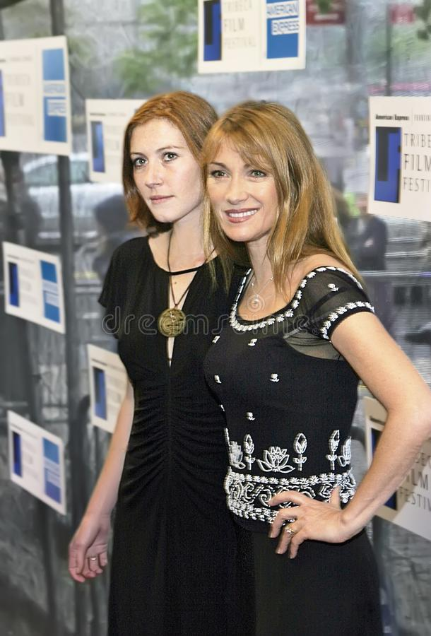 Dia do ` s de Jane Seymour e de Katie Flynn Celebrate Mother fotos de stock royalty free