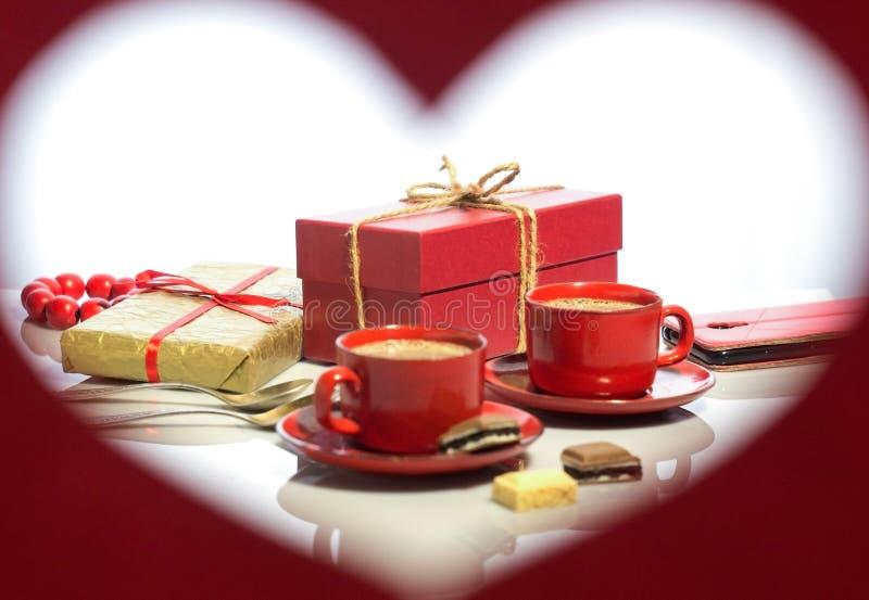 Dia do `s do Valentim Quadro sob a fôrma do coração imagem de stock royalty free