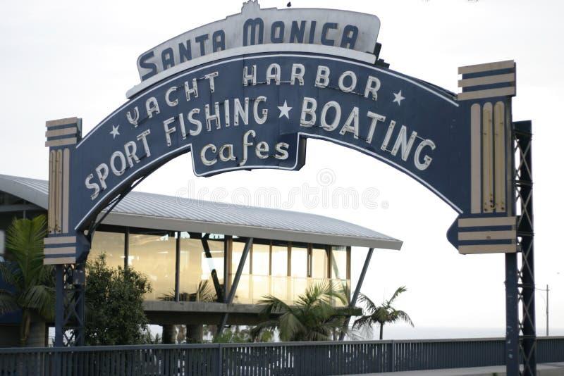 Dia do sinal do cais de Santa Monica imagens de stock