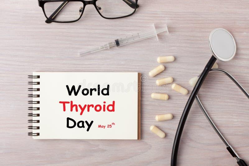 DIA do tiroide do mundo imagem de stock royalty free