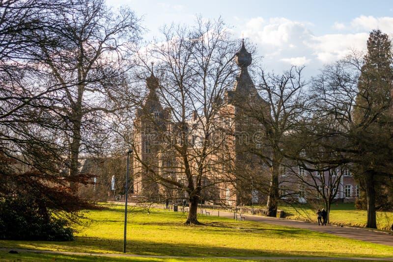 Dia ensolarado em Arenbergpark, Heverlee, Lovaina, Flanders, Bélgica foto de stock royalty free