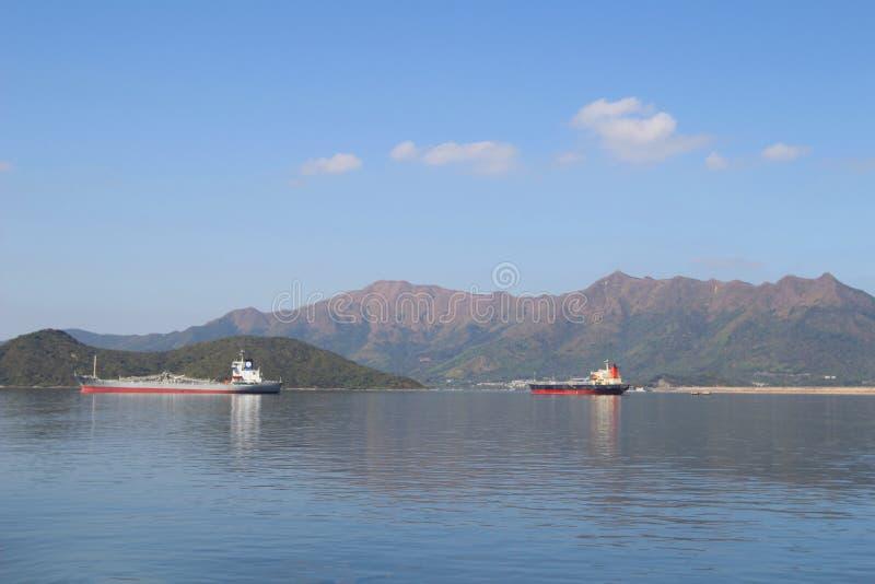 Dia na área do porto de Tolo no navio imagem de stock