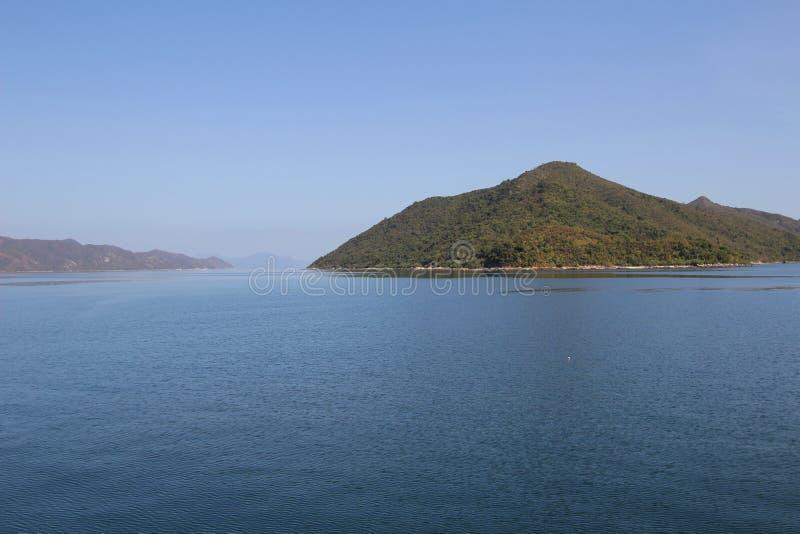 Dia na área do porto de Tolo no navio fotos de stock royalty free
