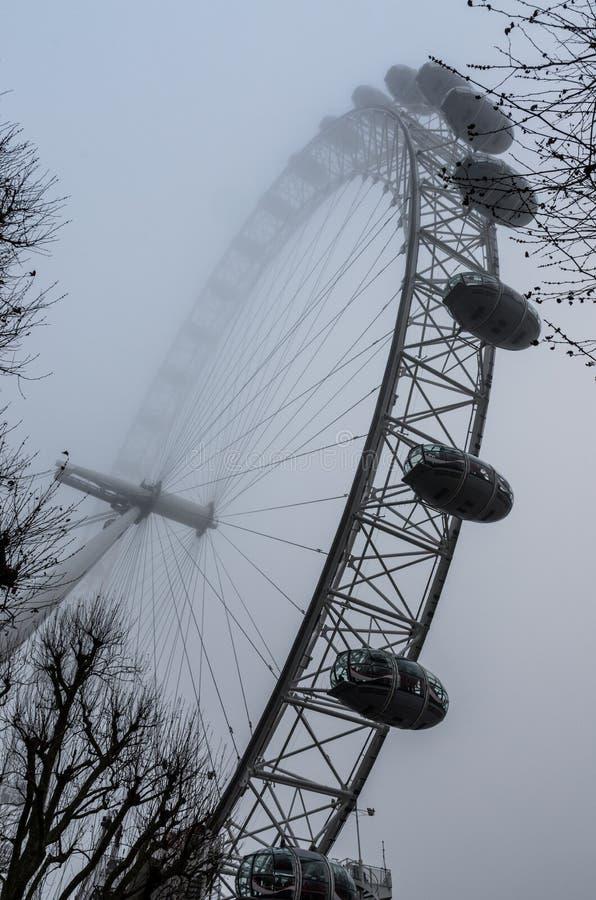 Dia nevoento em Londres imagem de stock royalty free