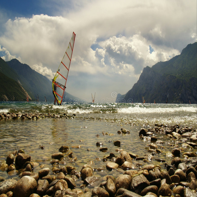 Dia perfeito para windsurfing foto de stock royalty free