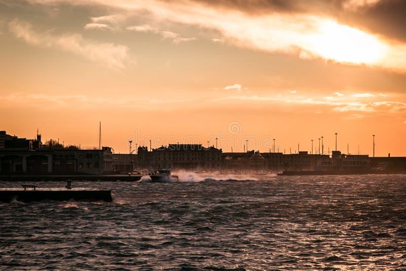Dia ventoso na cidade de Trieste foto de stock royalty free