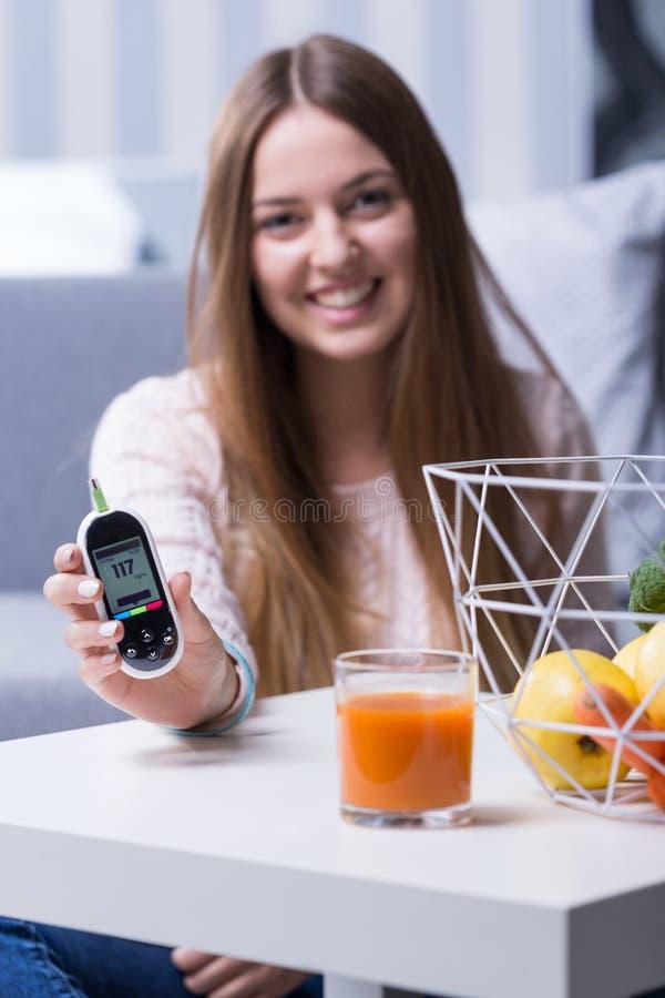 Diabétique avec le bon niveau de glucose image libre de droits