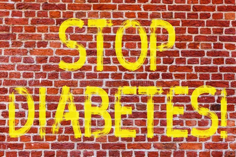 Diabetes da parada da exibição da nota da escrita Apresentar da foto do negócio toma de seu tijolo dos hábitos de Sugar Levels He fotografia de stock royalty free