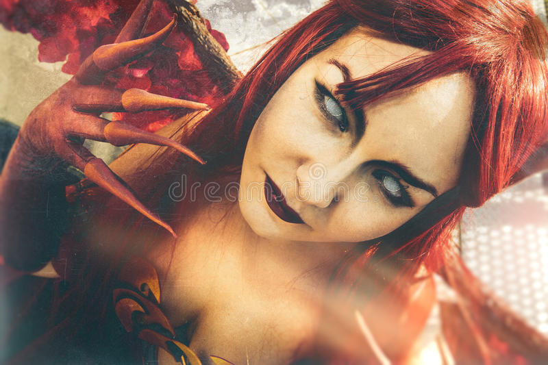 Diablo del arte Retrato cercano del Demoness imagen de archivo