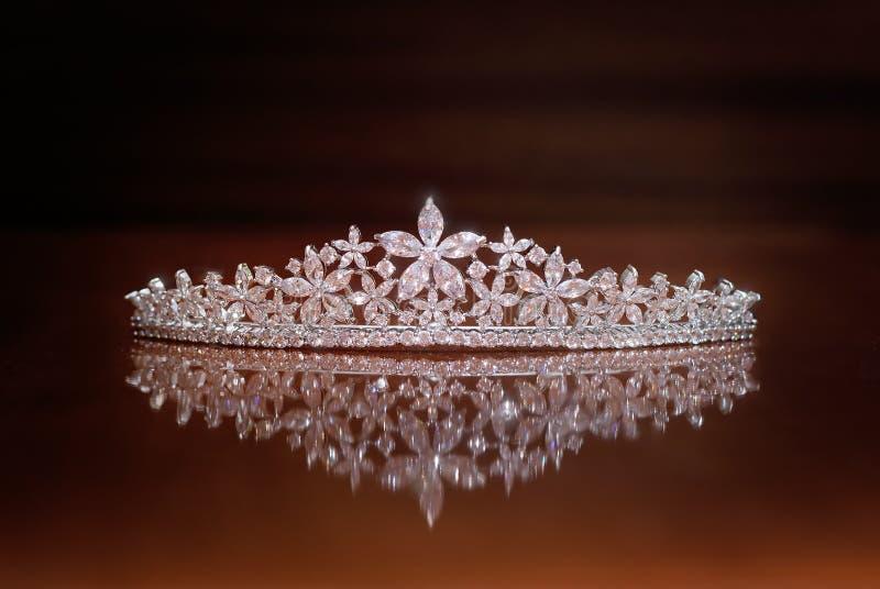 Diadema do casamento, coroa para a princesa Joia, riqueza imagem de stock