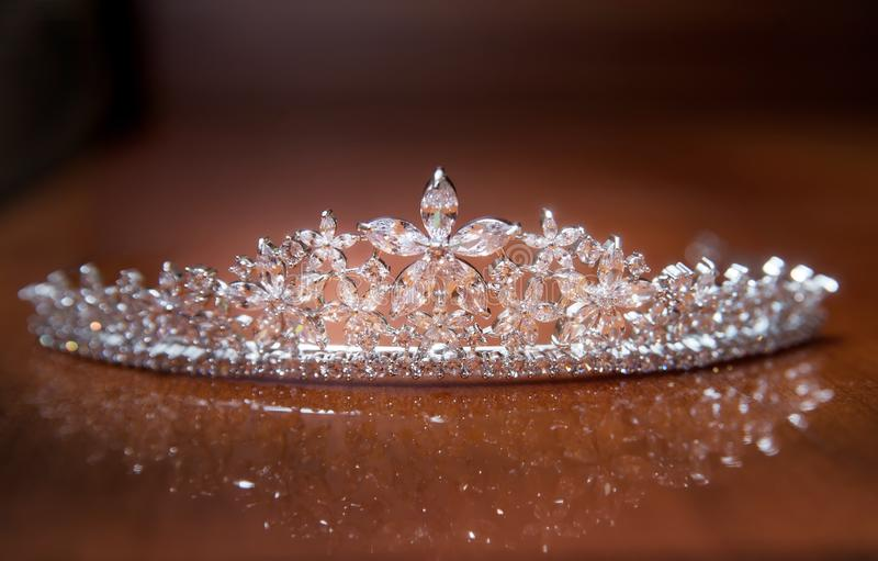 Diadema do casamento, coroa para a princesa Joia, riqueza imagens de stock
