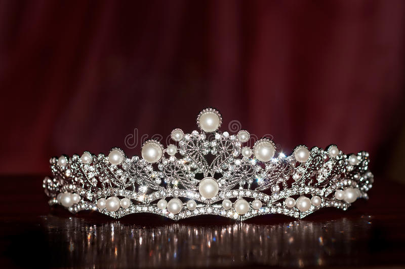 Diadema real do vintage do casamento com pérola riqueza imagens de stock royalty free