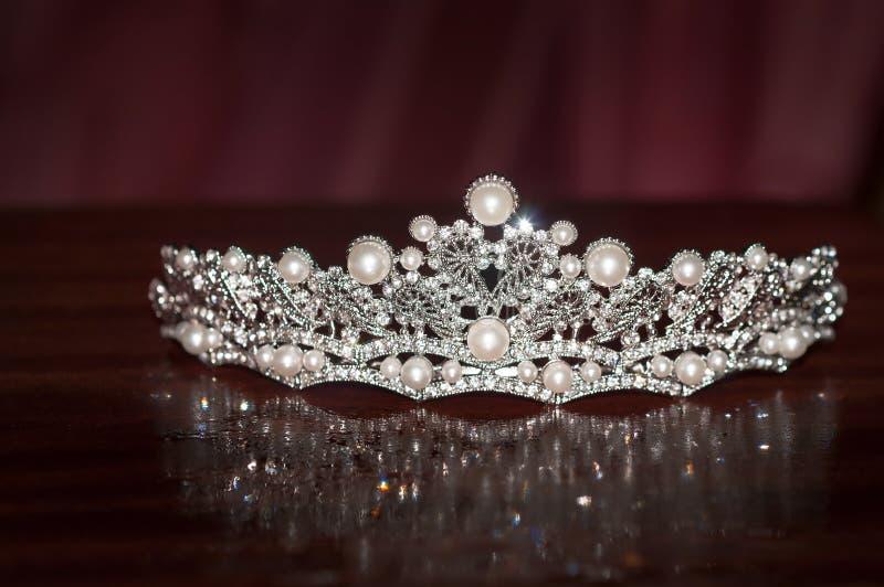 Diadema real do vintage do casamento com pérola riqueza fotos de stock royalty free
