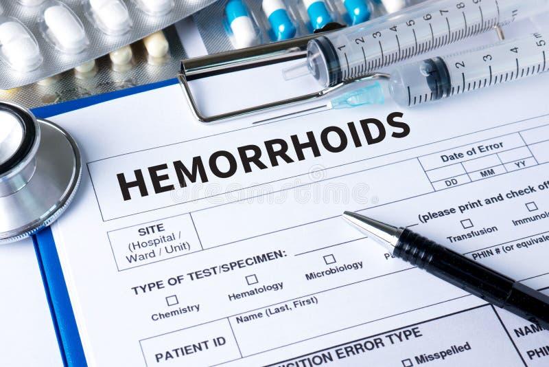Diagnóstico do CONCEITO das HEMORRÓIDAS - hemorroidas Relatório médico com imagens de stock