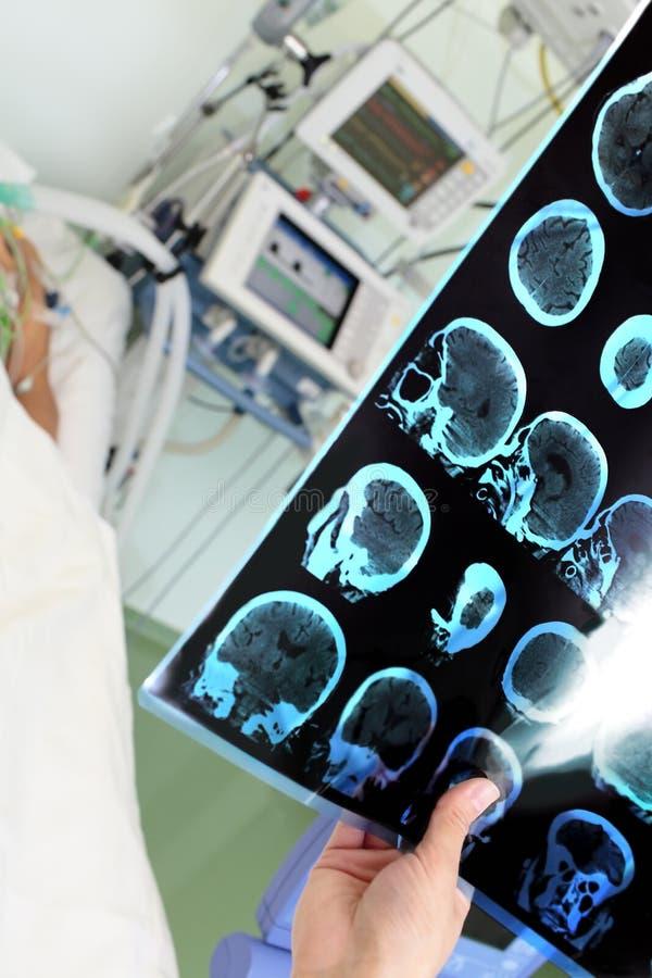 Diagnose nahe dem Kopfende lizenzfreies stockfoto