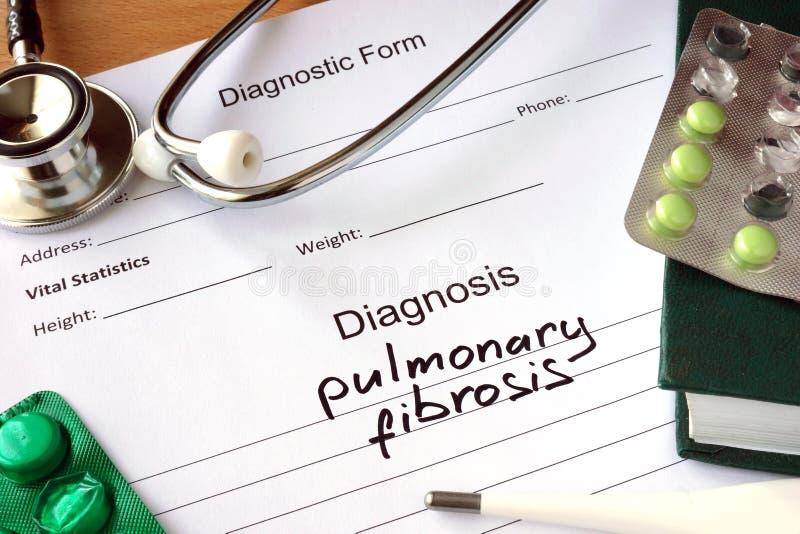 Diagnoseform mit Diagnosenlungenfibrose lizenzfreies stockfoto