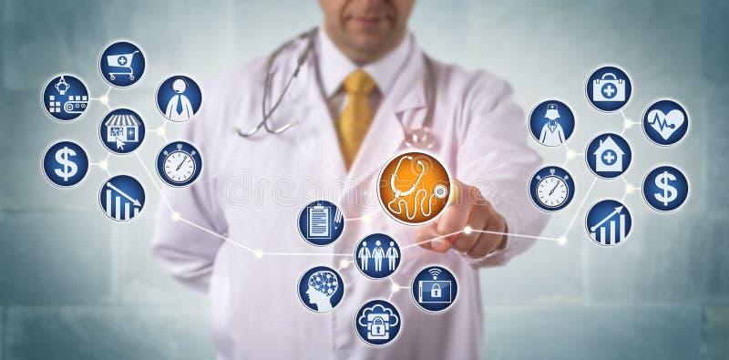 Diagnosticus die ver Patiënten via Netto onderhouden stock fotografie