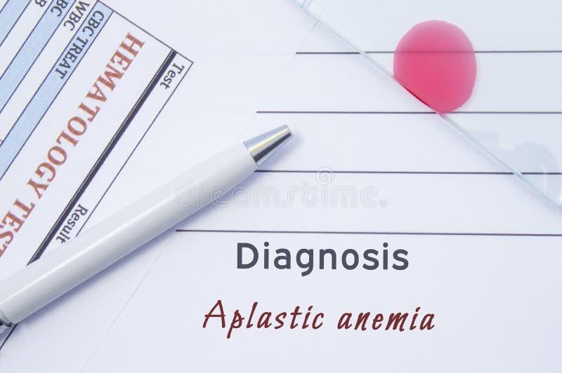 Diagnozy Aplastic anemia Pisać doktorskiej hematological diagnozy Aplastic anemią w raporcie medycznym, który są rezultatem krew zdjęcia royalty free