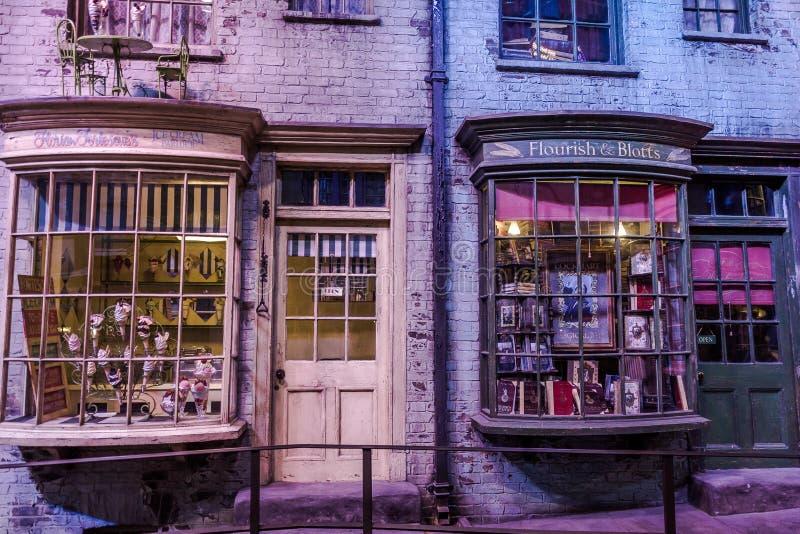 Diagon Alley filmuje set przy Warner studiiem robić Harry Poter w Londyn, UK fotografia royalty free