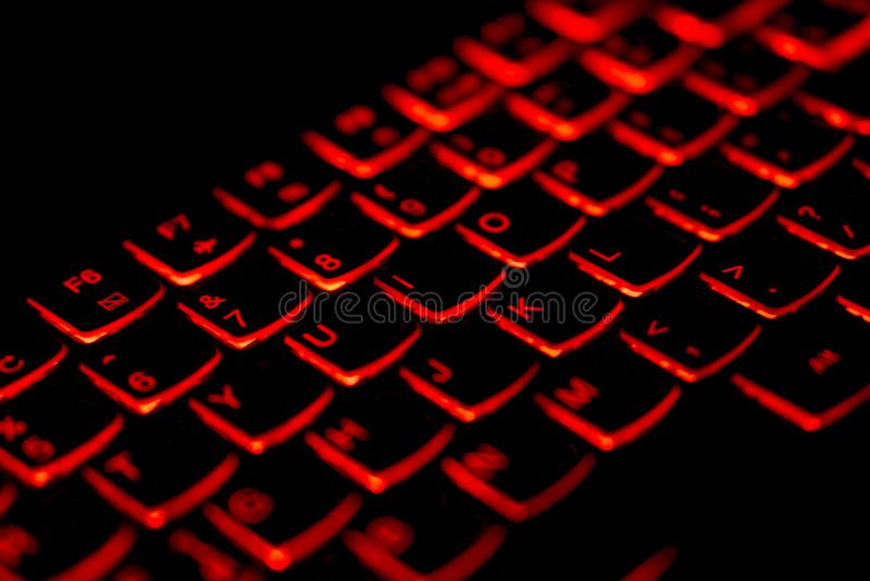 Diagonaal Thai - Engelstalig laptop toetsenbord met het gloeien royalty-vrije stock foto's