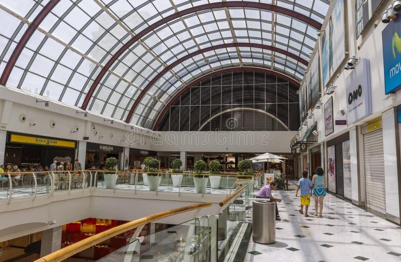 Diagonal Mars shoppinggalleria i Barcelona arkivfoton