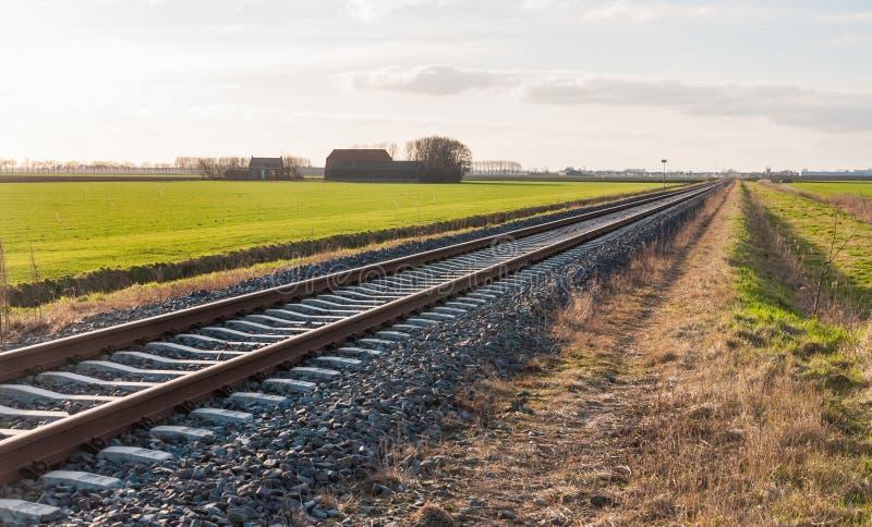 Diagonalmente ferrocarril imagen de archivo libre de regalías